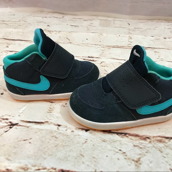 Nike Shoes   Nike Baby Shoes Size 5